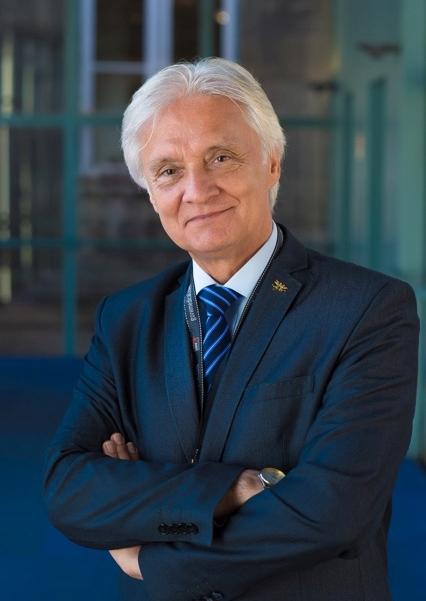 Kierownik Katedry:prof. dr hab. n. med. Arkadiusz Jawień